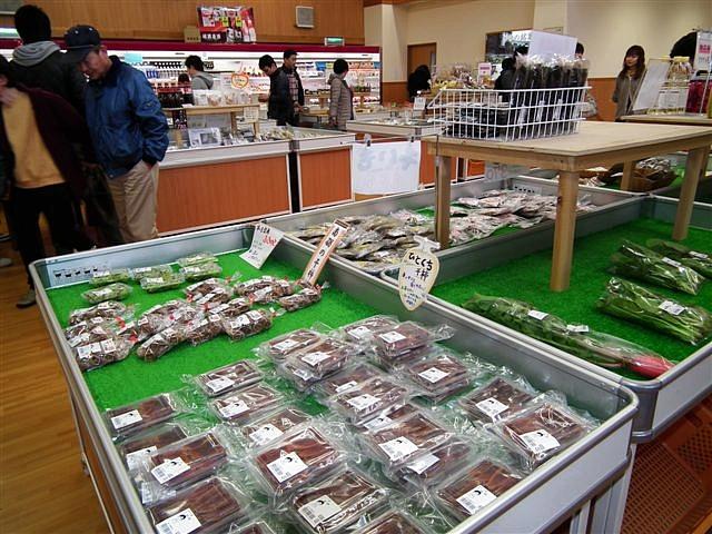 ヨッテカーレ城端 でお買い物 (4)