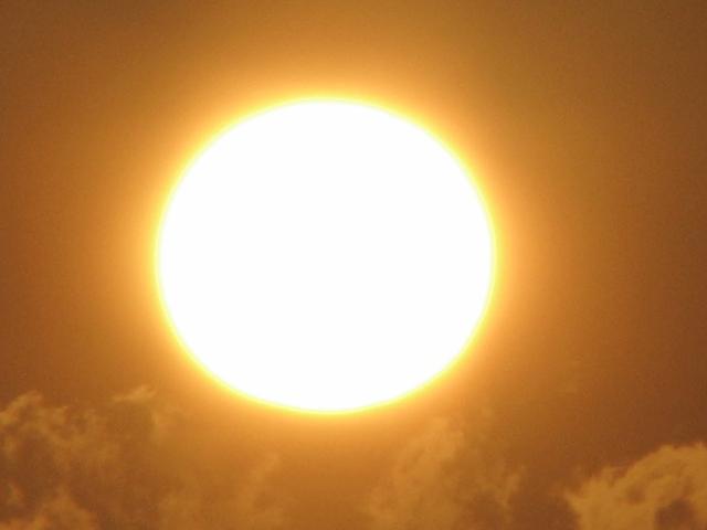 太平洋に昇る朝日2