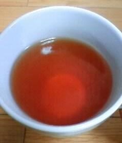 カップに入れた凛麗茶