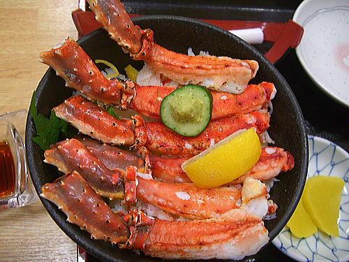 函館 朝市 焼きタラバガニ丼