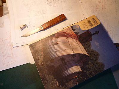 バラックの屋根やさんは ナイフ作りの名人だった・・・