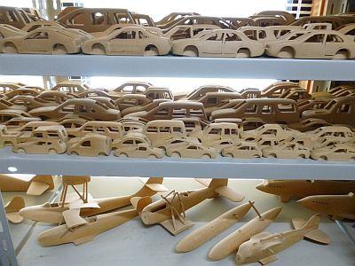 1000台の自動車作りは、・・・
