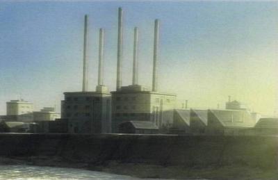 廃工場の煙突群