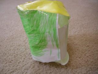 紙で作ったケロロ横