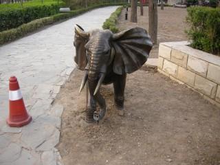アジアンチックな象さんです