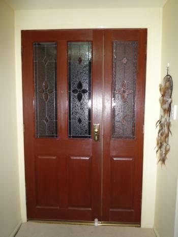 ガラスの入ったドア