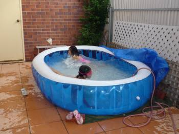 子ども達プール