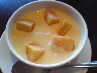 マンゴー入り豆腐花