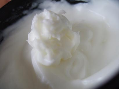 060901strachmarkcream.jpg