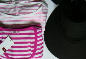 ユニクロ Tシャツ、帽子