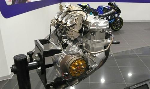 2002年のYZR-M1エンジン