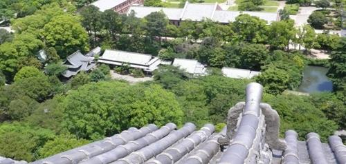 Himeji_Temple_090606_08.jpg