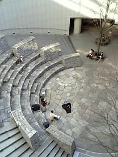 オペラシティ中庭
