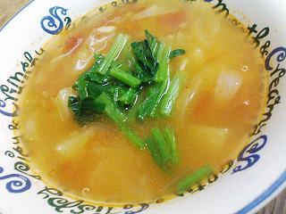 キヌア入りトマトスープ