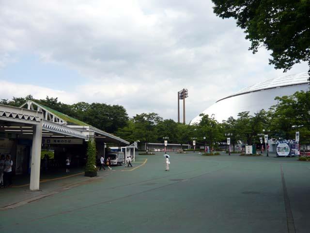 西武球場前駅と西武ドーム