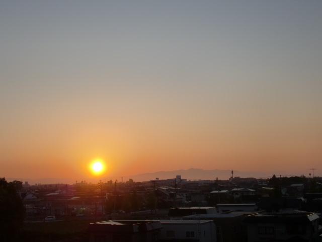 涙の中の虹を見つけに*:・゜.☆ ~青森市セラピールーム アルクトゥールス~-夕陽