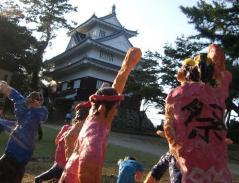 豊橋造パラ 白と人形s.JPG