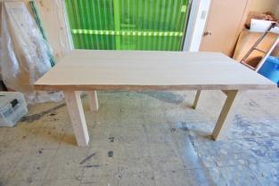 テーブルCSC_0054