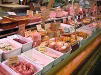市場  肉屋2