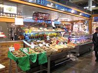 市場 魚屋