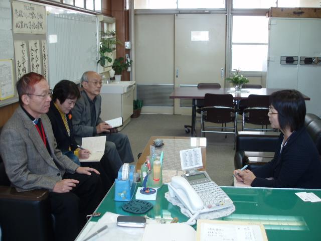 08-11-05 鳴尾北小学校視察 001
