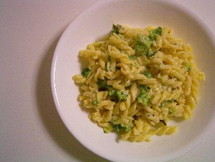 フィジッリ・ブロッコリーとリコッタチーズ