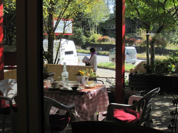 レストランの椅子