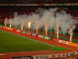 試合前に花火があがりました。