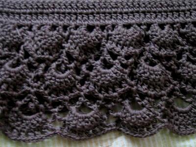 茶色のチュニック模様編み