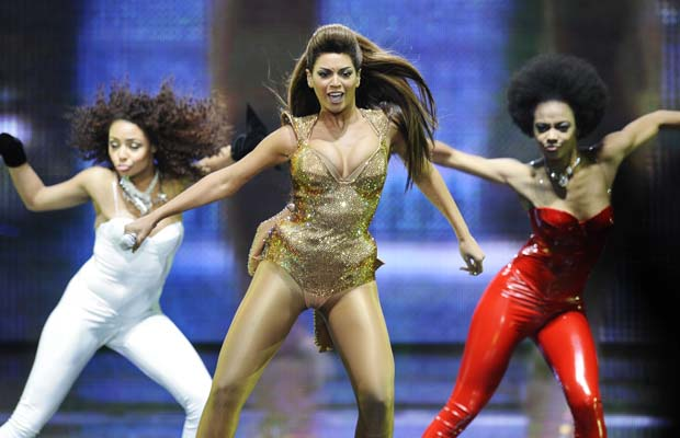 Beyonce20sizzles20on20stage20at20GM20Place.jpg