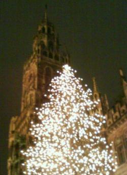 der Cristbaum in Muenchen Marienplatz