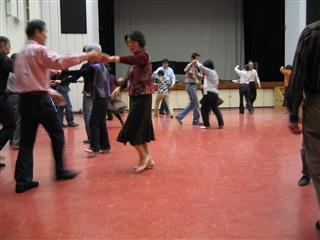 ラウンドダンス