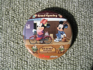 Mickey缶バッチ