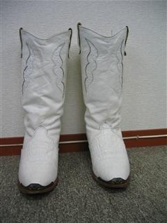 ホワイトブーツ①