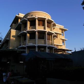 ビルの端の丸い部屋