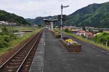 石見都賀駅(10)