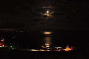 月の見える丘(1)