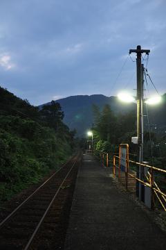 黄昏の長谷駅(6)
