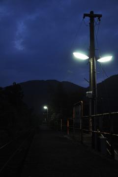 黄昏の長谷駅(7)