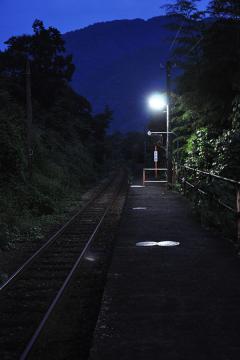 黄昏の長谷駅(9)