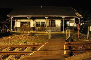 肥前長野駅の夜(2)