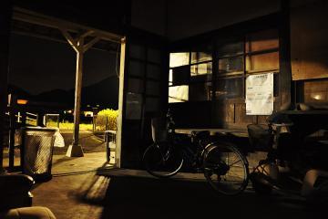 肥前長野駅の夜(5)