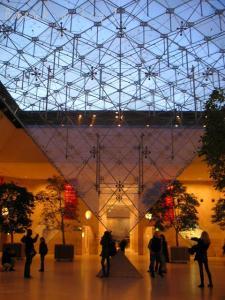 sakasa-pyramide.jpg