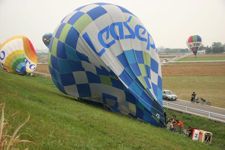 2005balloon012.jpg
