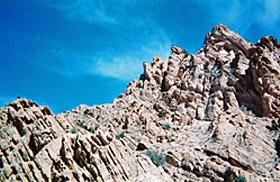 南アトラス山脈岩肌