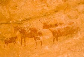 牛の家族壁画
