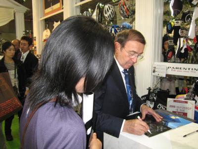 コルナゴ氏サイン
