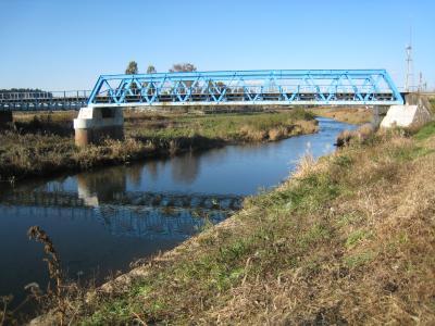SLの青い橋