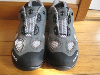 モンベル靴1