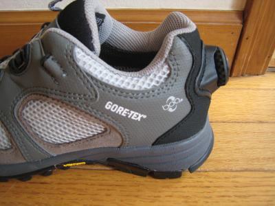 モンベル靴2